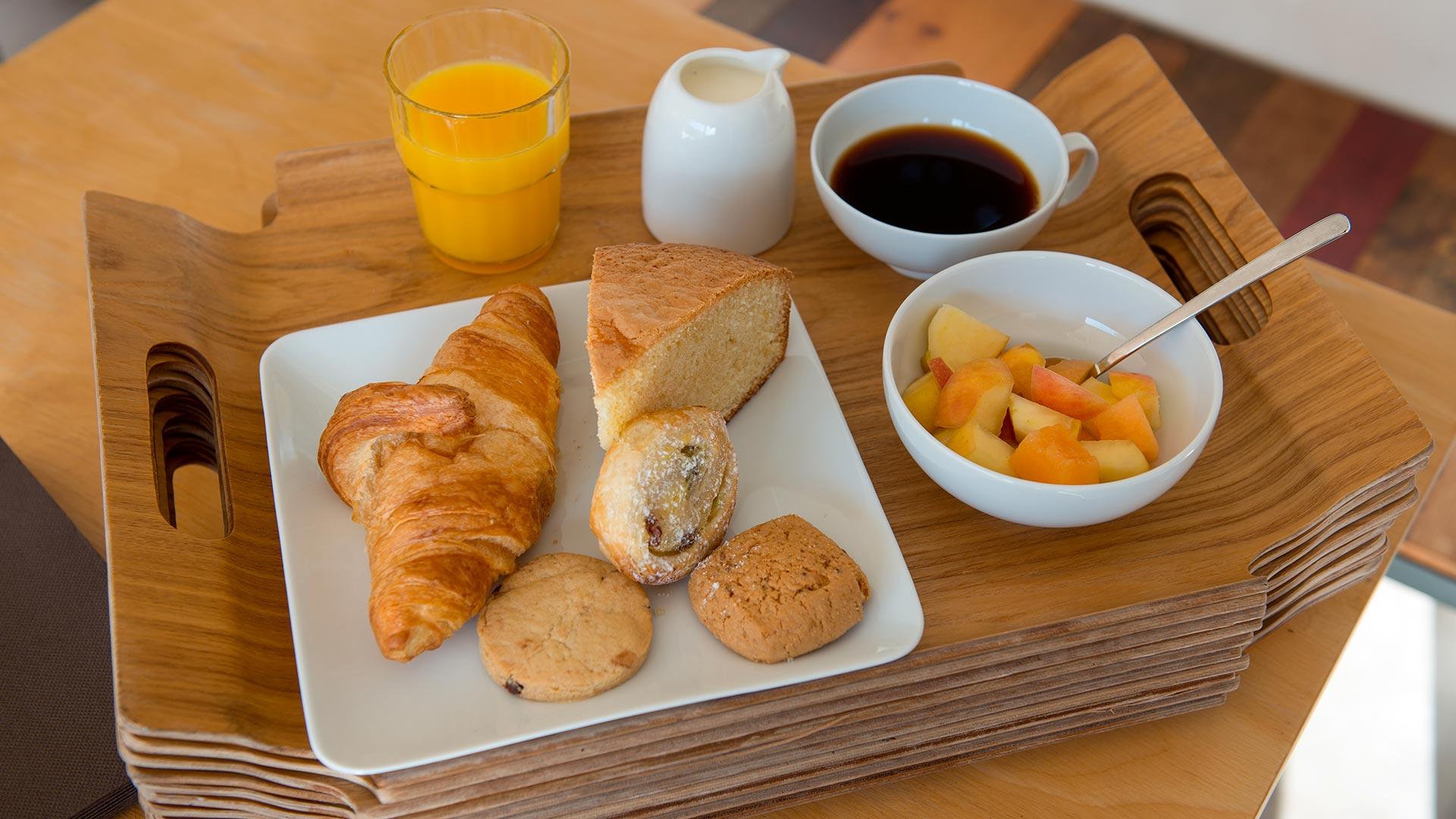 Plateau petit déjeuner hôtel de charme en corse